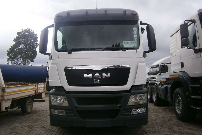 Truck-Tractor MAN  Double Axle 27-440 2013