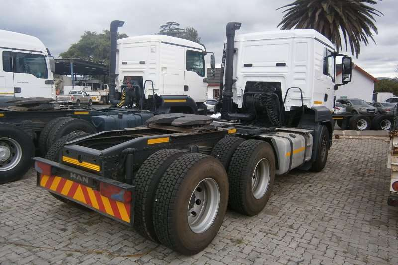 MAN  double axle 27-440 Truck-Tractor