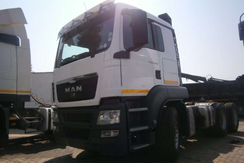 MAN  double axle 27 440 Truck-Tractor