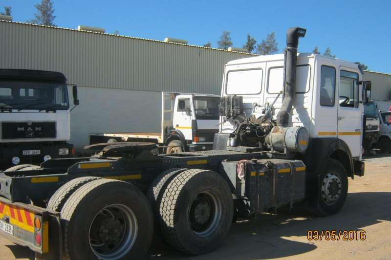 MAN  double axle 30-380 Truck-Tractor