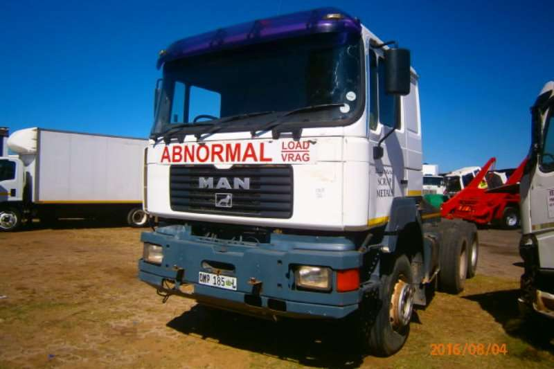 MAN  double axle 33 464 Heavy Hauler Truck-Tractor