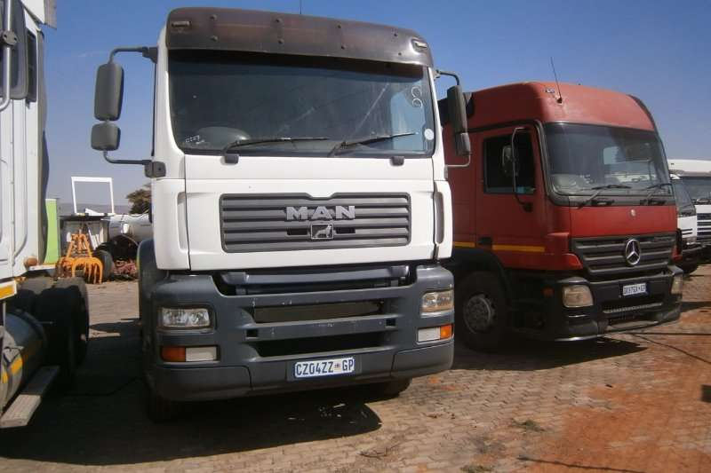 Truck-Tractor MAN  Double Axle 33-480 2010