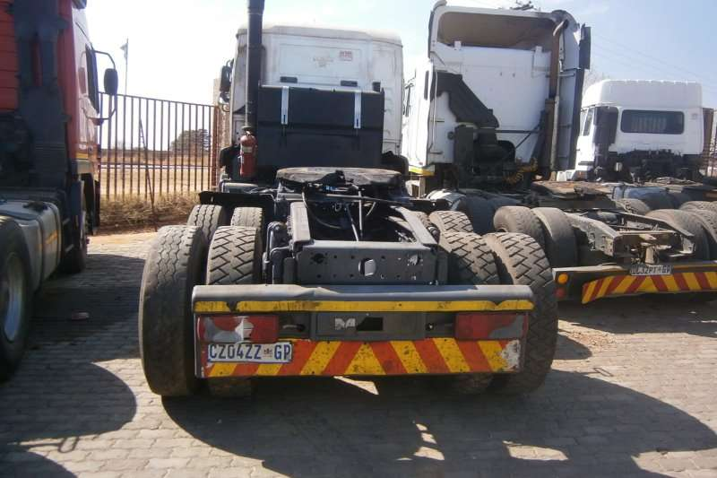 MAN  double axle 33-480 Truck-Tractor