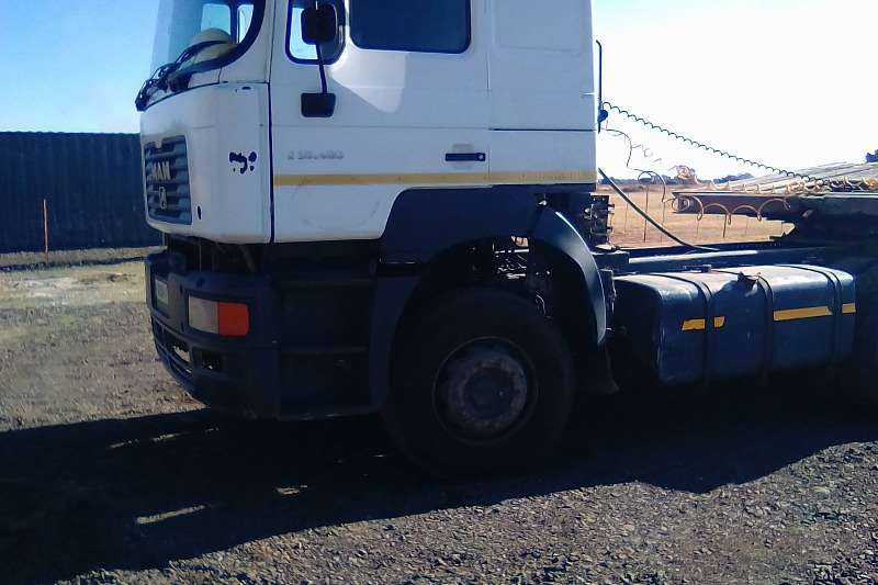 MAN  double axle F 2000 Truck-Tractor