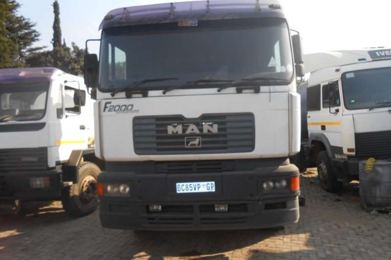 MAN  double axle F2000 27 464 Truck-Tractor