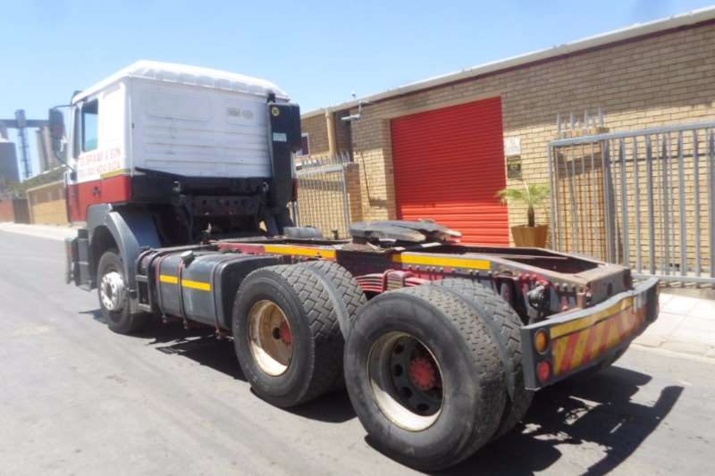 MAN  double axle MAN 27.464 F2000 Truck-Tractor