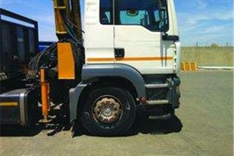 MAN  double axle MAN TGA 18.360 (4x2)- Truck-Tractor