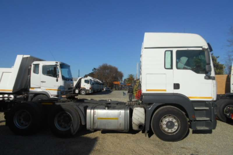MAN  double axle TGA 26.400 Truck-Tractor