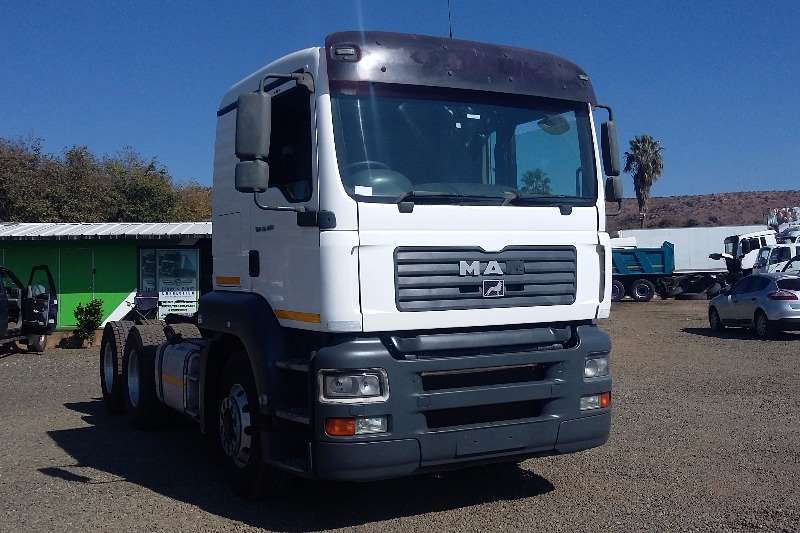 MAN  double axle TGA 26.400 Truck-Tractor