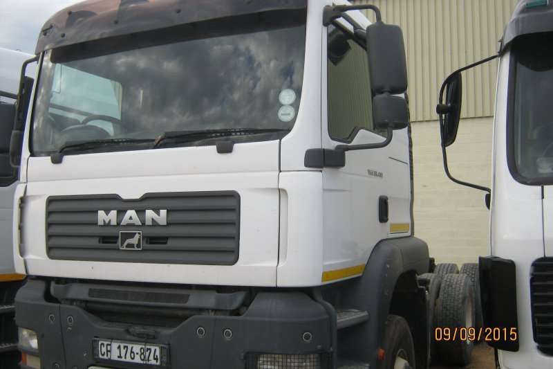 MAN  double axle TGA 33-400 Truck-Tractor