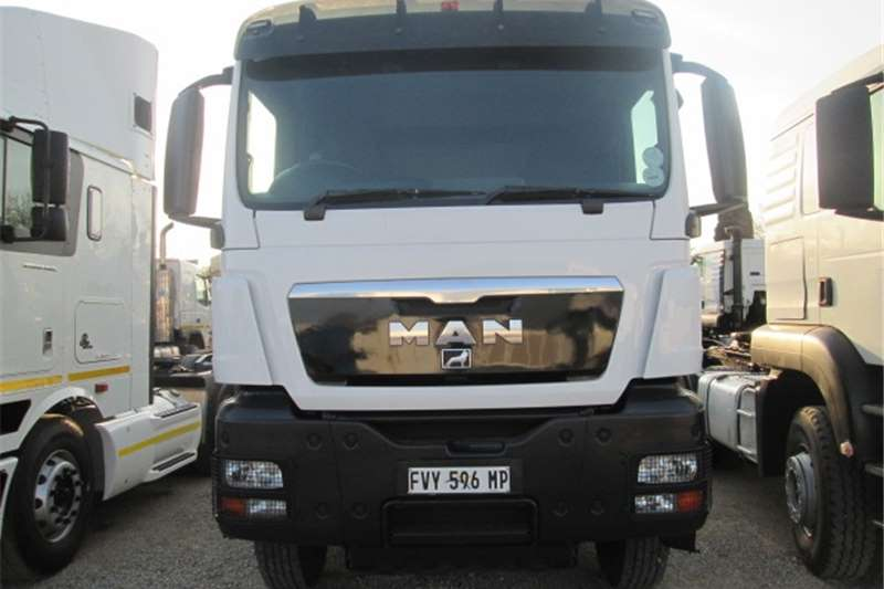 MAN  double axle TGS 33.440 Truck-Tractor