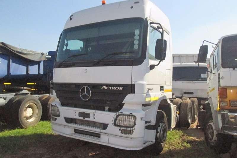 Mercedes Benz 2644 Actros MP2 Truck-Tractor