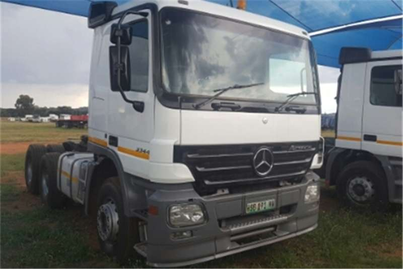 Mercedes Benz Actros  double axle 3344 MP2 Truck-Tractor