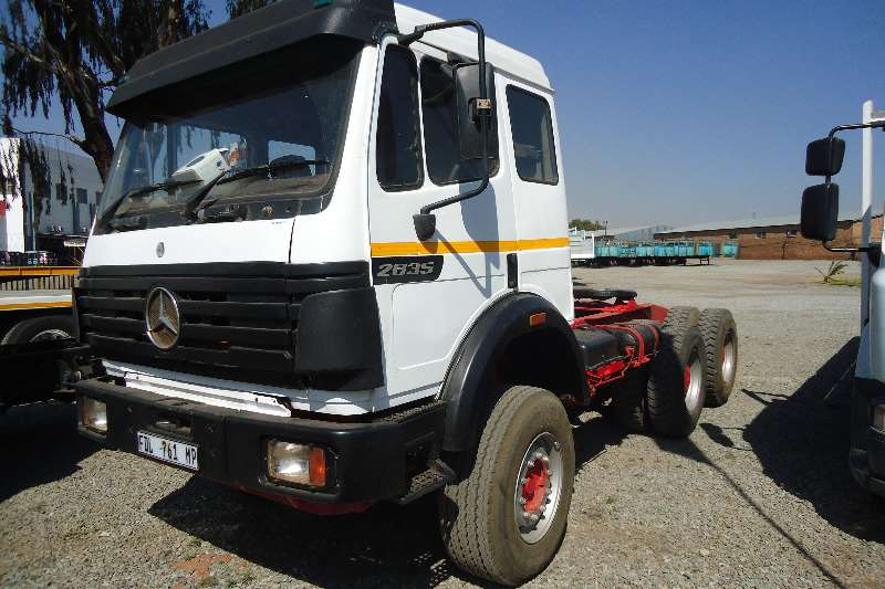 Truck-Tractor Mercedes Benz  Double Axle 26.35 POWERLINER 1997