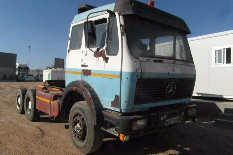 Truck-Tractor Mercedes Benz  Double Axle 2633 V Series 6 x 4 Mechanical Horse (Non Runner) 0