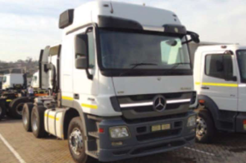 Mercedes Benz  double axle 2650 LS/33 Truck-Tractor