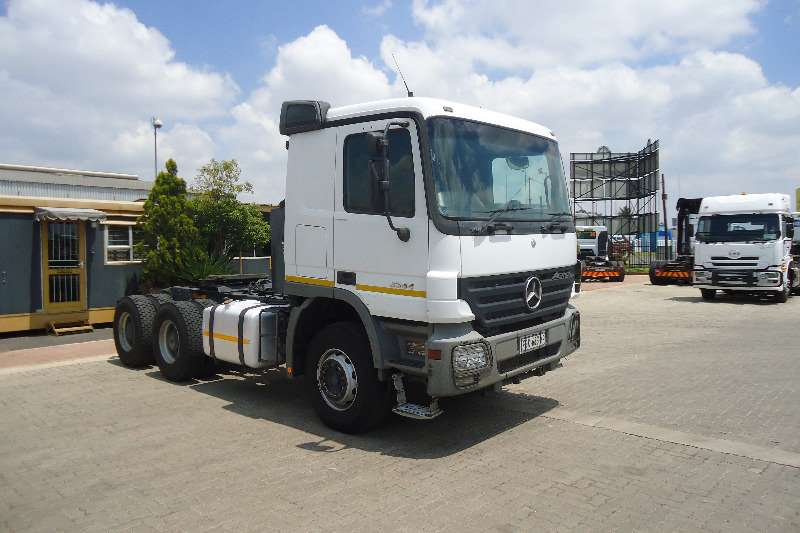 Mercedes Benz  double axle 33.44 ACTROS MP3 Truck-Tractor