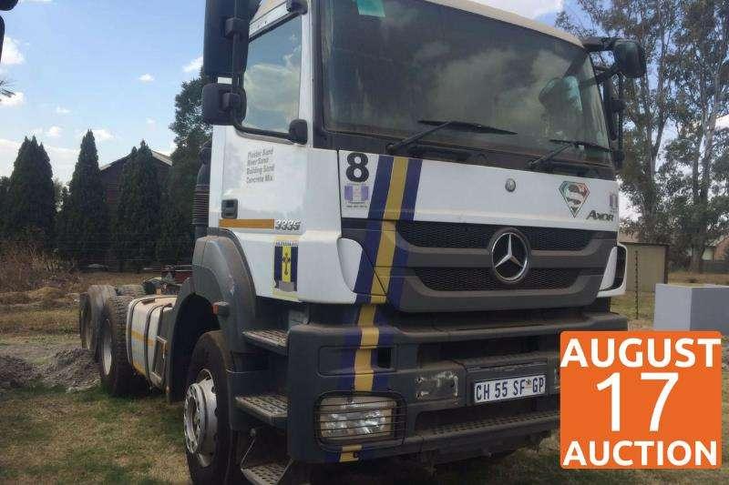 Mercedes Benz  double axle 3335 Truck-Tractor