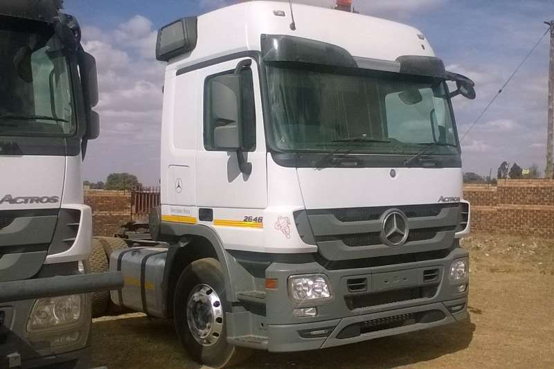 Truck-Tractor Mercedes Benz  Double Axle Actros 2646 MP3 2015