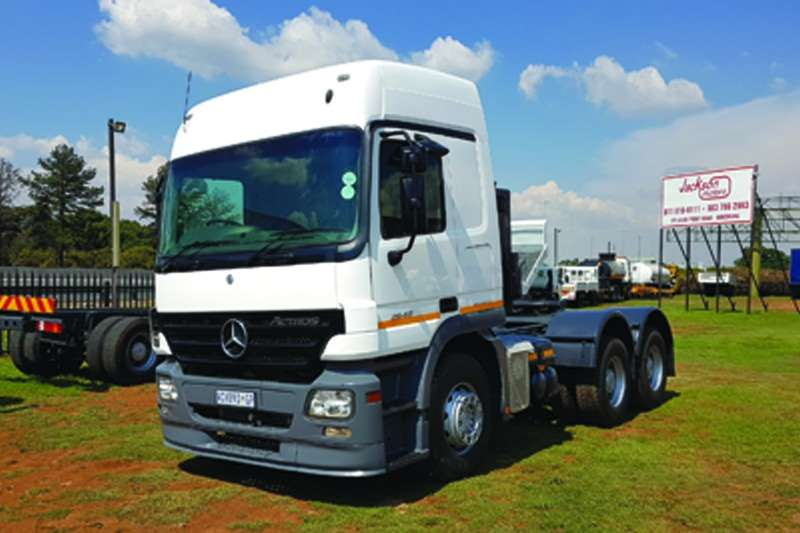 Truck-Tractor Mercedes Benz  Double Axle Actros 2648 MP2 2007