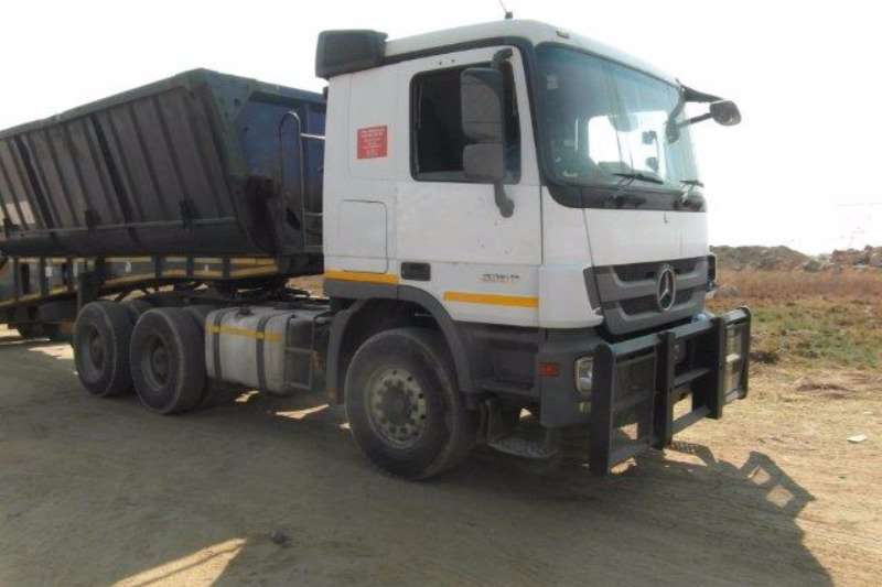 Truck-Tractor Mercedes Benz  Double Axle Actros 3350 6 x 4 Mechanical Horse With Hydraulics 2012