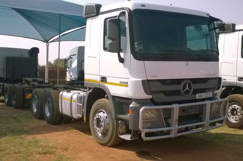 Mercedes Benz  double axle Actros 3350 MP3 Truck-Tractor