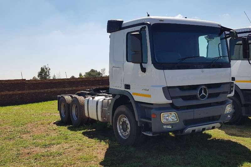 Mercedes Benz  double axle Actros 3350 MP3 Truck-Tractor