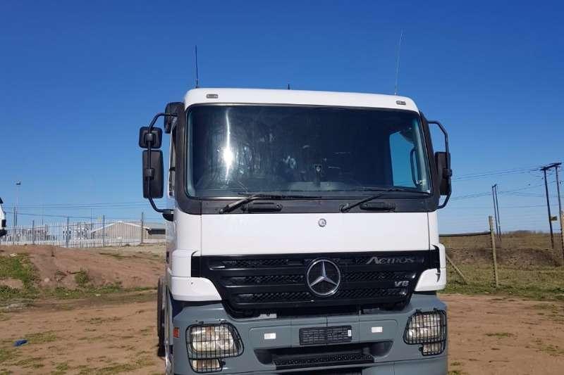 Mercedes Benz  double axle Actros MP2 3348 Truck-Tractor