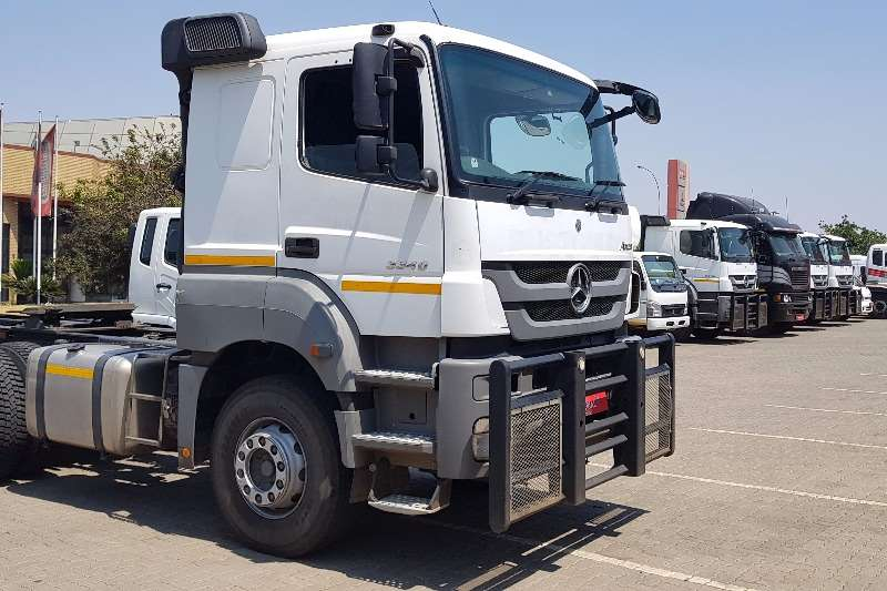 Mercedes Benz  double axle Axor 3340 Truck-Tractor