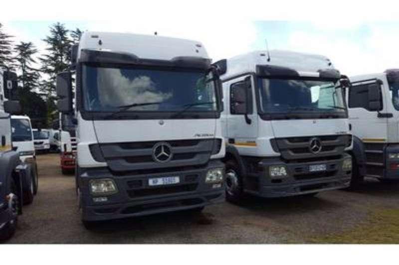 Mercedes Benz  double axle MERCEDES BENZ Truck-Tractor