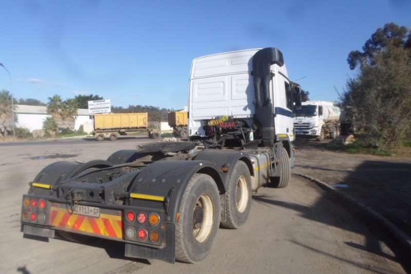 Mercedes Benz  double axle Mercedes Benz Actros 2650 MP2 Truck-Tractor