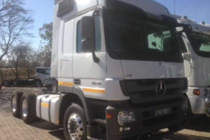 Mercedes Benz  double axle MERCEDES BENZ ACTROS 2654 Truck-Tractor
