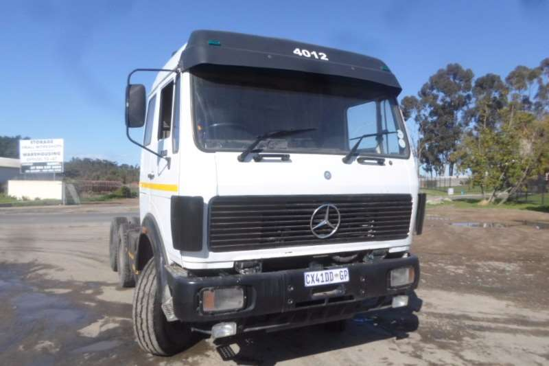 Mercedes Benz  double axle Mercedes V-Series 2638 with Hydraulics Truck-Tractor