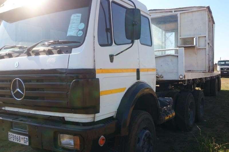 Mercedes Benz  double axle Powerliner Horse Truck-Tractor