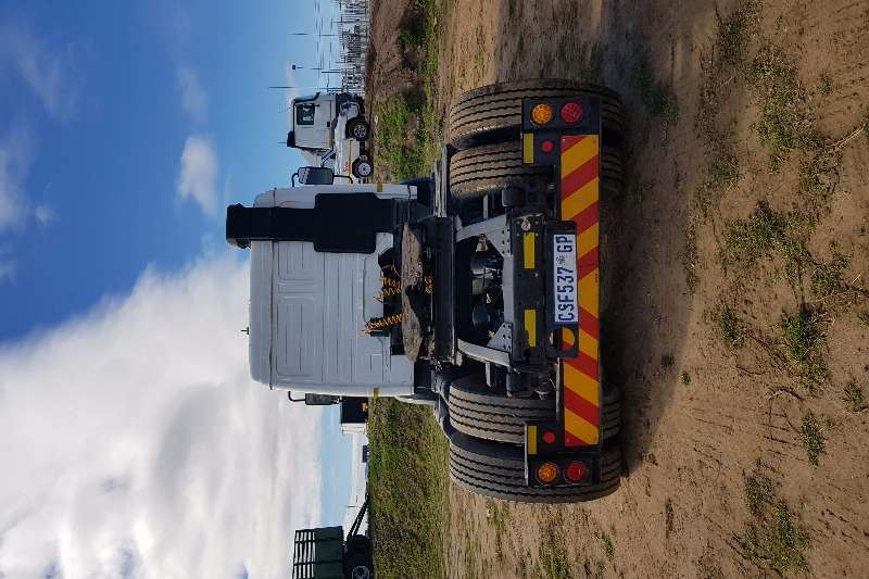Mercedes Benz Single axle 1735 Series, 422 V8 Turbo Truck-Tractor
