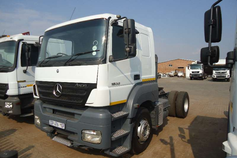 Mercedes Benz Single axle AXOR 18.35 T/T 4X2 Truck-Tractor