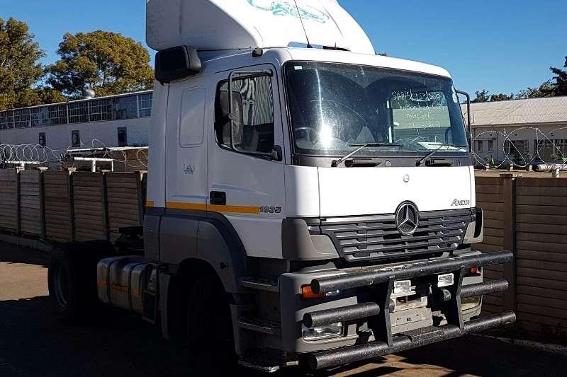 Mercedes Benz Single axle Axor 1835 Truck-Tractor