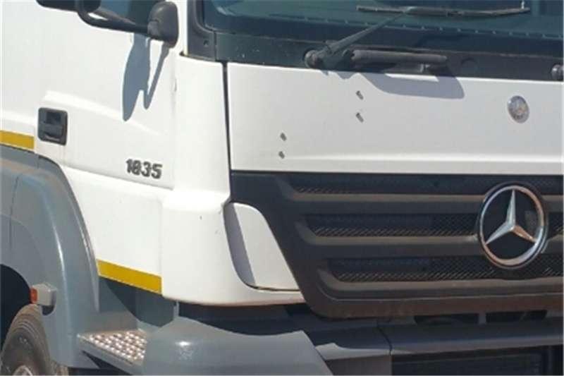 Truck-Tractor Mercedes Benz Single Axle Axor 2007