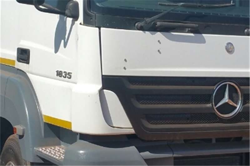 Mercedes Benz Single axle Axor Truck-Tractor