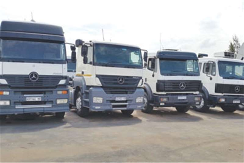 Mercedes Benz V-Series Powerliners Truck-Tractor