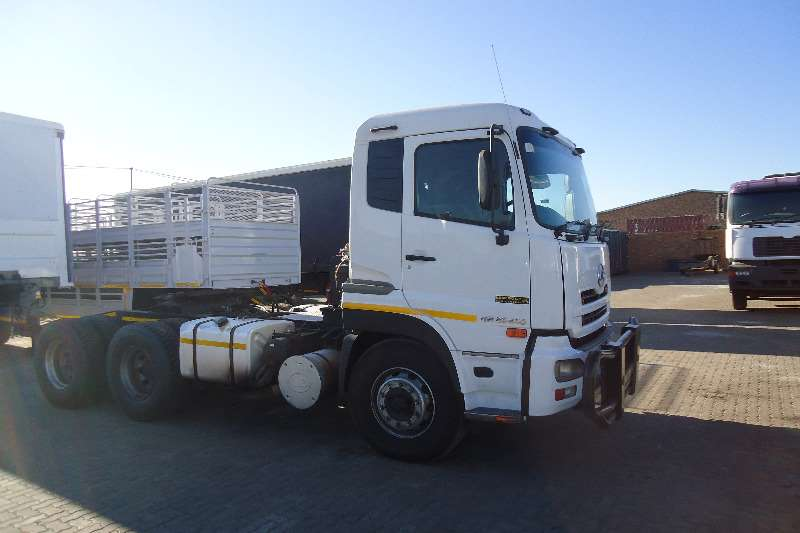 Nissan  double axle UD 490 QUAN Truck-Tractor