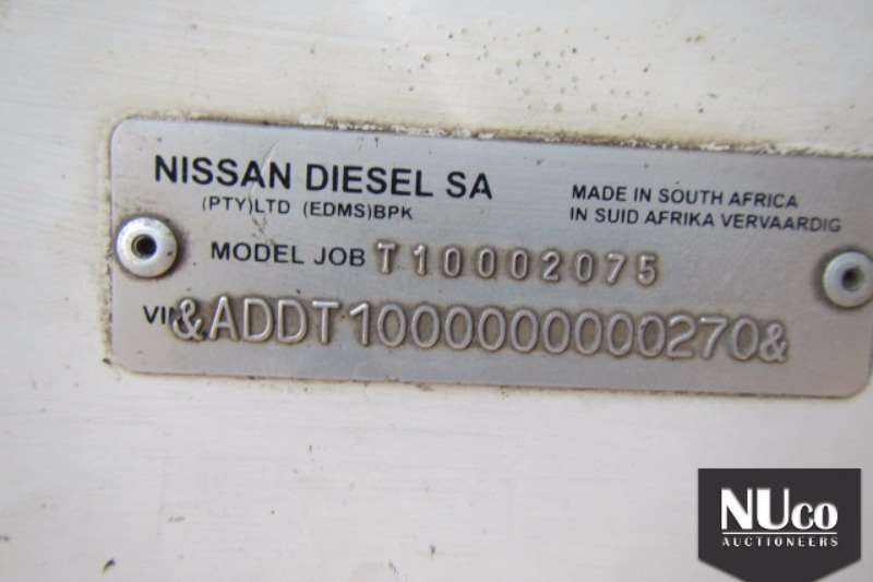 Nissan NISSAN UD290 4X2 HORSE Truck-Tractor