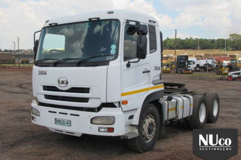 Truck-Tractor Nissan NISSAN UD390 6X4 HORSE 2011