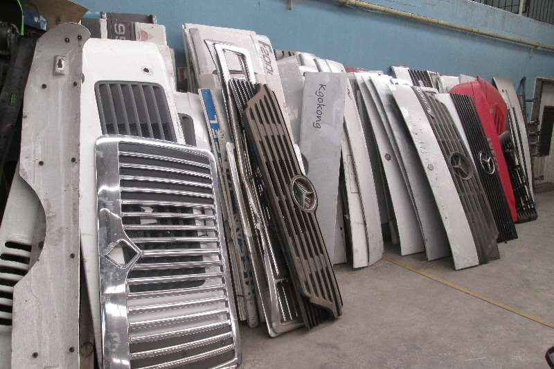 Other Grill, Bonnets, Bumpers for all makes of trucks Truck-Tractor