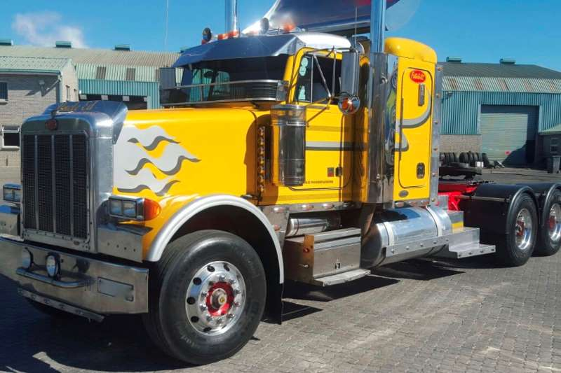 Truck-Tractor Peterbilt  Double Axle Peterbilt 379 0