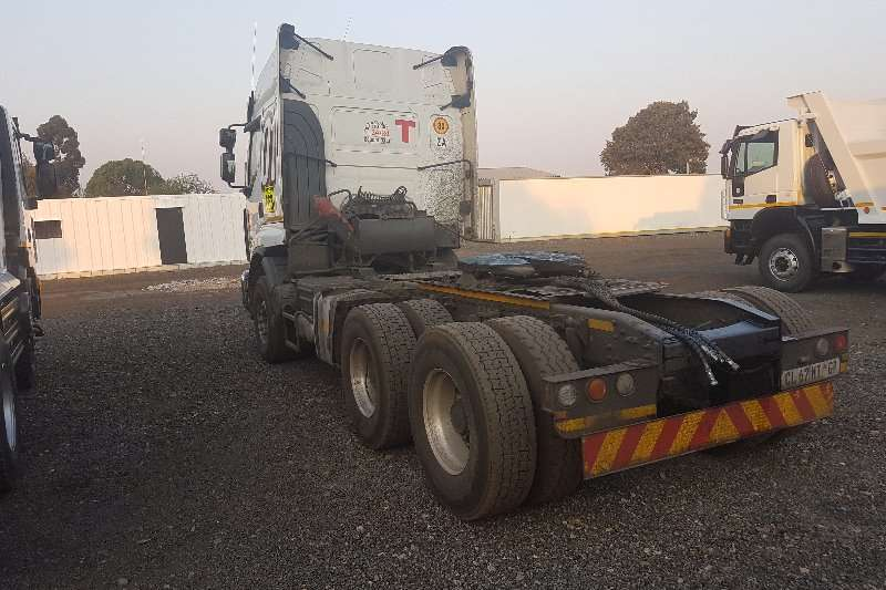 Renault  double axle 440 DXI Truck-Tractor