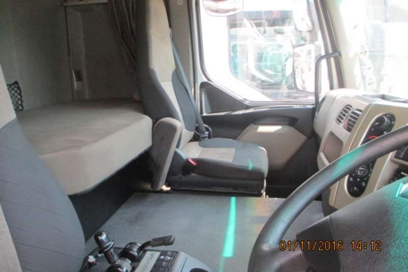 Renault  double axle Premium Lander 26.440 Truck-Tractor
