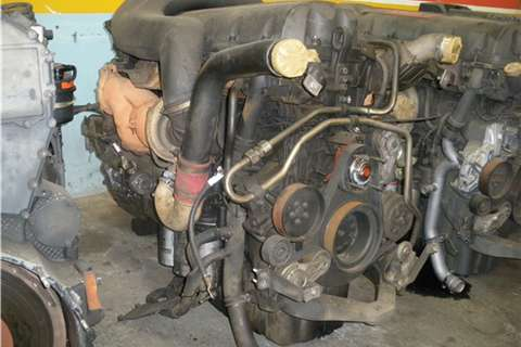 Truck-Tractor Renault DXI 11 Engine 2009