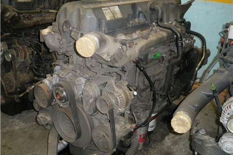 Truck-Tractor Renault DXI 11 Engine 2010