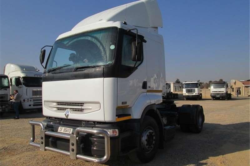Renault Kerax 420 Truck-Tractor